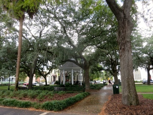 One of my favorite squares in Savannah (name escaping me)