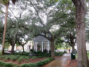 One of the beautiful squares of Savannah